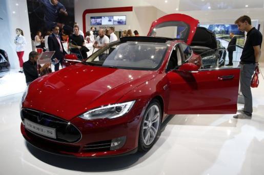 Tesla autonomous, Tesla music